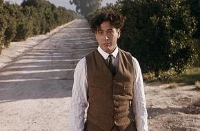 """Tele 5: Robert Downey Jr.: """"Richard Attenborough hat mir geholfen wie kein Zweiter""""//  Anlässlich des Todes von Sir Richard Attenborough zeigt TELE 5 """"Chaplin"""" mit Robert Downey Jr. in der Hauptrolle (FOTO)"""