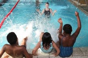 Stiftung Mittagskinder: Stiftung Mittagskinder: Große Auszeichnung für Schwimmunterricht