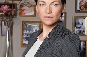 """ARD Das Erste: Das Erste: """"Rote Rosen"""": Die Liebe blüht in vielen Variationen Charlotte Bohning übernimmt mehrwöchige Episodenrolle in der ARD-Telenovela"""