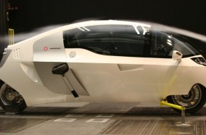 "PERAVES: MonoTracer® am Autosalon: ""The ultimate Low Drag- High Performance Vehicle"""