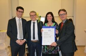 Zentralverband der Augenoptiker - ZVA: Erste staatlich anerkannte Optometristen in Nordrhein-Westfalen