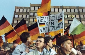 dpa Picture-Alliance GmbH: 25 Jahre Deutsche Einheit in Themenportalen der picture alliance aufbereitet
