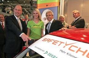 """Dekra SE: DEKRA Verkehrssicherheitsaktion für junge Autofahrer / Verkehrsminister Tiefensee startet """"SafetyCheck"""""""