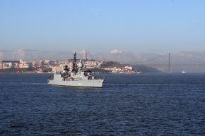 Deutsche Marine - Pressemeldung: Erster Crew-Wechsel beim Einsatz- und Ausbildungsverband der Deutschen Marine