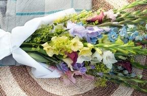 Blumenbüro: Farbenfrohes Sommerfeeling mit der Gladiole / Wahre Schönheit in der Vase