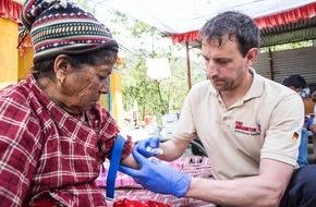 Johanniter Unfall Hilfe e.V.: Johanniter leisten medizinische Nothilfe in Nepal / Verletzte in den entlegenen Bergregionen brauchen dringend Hilfe