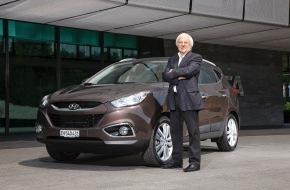 HYUNDAI SUISSE Korean Motor Company, Kontich (B): Hyundai Suisse verpflichtet Gilbert Gress als neuen Markenbotschafter / Gilbert Gress fährt den neuen Hyundai ix35