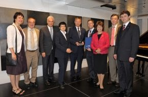 Stiftung RUFZEICHEN GESUNDHEIT!: Prävention am Arbeitsplatz: BASF wird von Stiftung RUFZEICHEN GESUNDHEIT! ausgezeichnet (mit Bild)