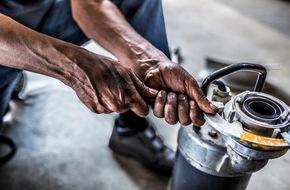 """Siemens Stiftung: """"empowering people. Award 2015"""" gestartet: Siemens Stiftung sucht technische Lösungen zur Verbesserung der Grundversorgung in Entwicklungsregionen"""