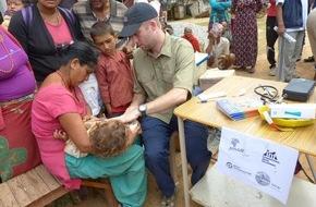 Aktion Deutschland Hilft e.V: Erdbeben Nepal: Flughafen wird zum Nadelöhr / Große Herausforderungen in der Nothilfe für Mitglieder des Bündnisses Aktion Deutschland Hilft