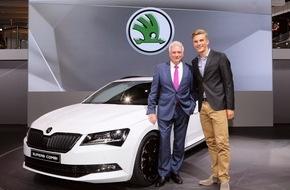 Skoda Auto Deutschland GmbH: Raumriese trifft Radsportstar: Messepremiere des neuen SKODA Superb Combi auf der IAA mit Marcel Kittel