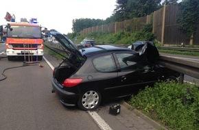 Feuerwehr Mönchengladbach: FW-MG: 2 Verkehrsunfälle kurz hintereinander, Fahrer jeweils verletzt