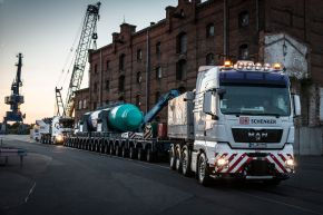 DB Schenker bringt 141-Tonnen-Zylinder mit Schiff, Lkw und Flugzeug von Berlin nach Kanada