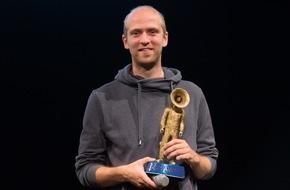 dpa Deutsche Presse-Agentur GmbH: Blendle-Mitgründer Marten Blankesteijn mit scoop Award 2015 ausgezeichnet