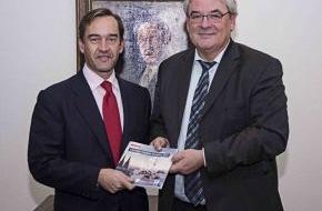 Santander Consumer Bank AG: Santander Universitäten und Universität zu Köln feiern Kooperationsjubiläum