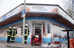 Feuerwehr Arnsberg: FW-AR: Rauchentwicklung in Grill-Restaurant am Bahnhof Neheim-Hüsten ruft Feuerwehr auf den Plan