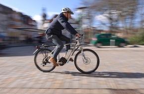 HUK-Coburg: Damit der Spaß beim Rad fahren nicht endet / Unfall oder Diebstahl - wie sind Pedelecs versichert?
