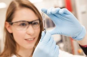 AbbVie Deutschland GmbH & Co KG: Biosimilars in der Therapie der Psoriasis - Austauschbarkeit und Nachverfolgung problematisch / Veranstaltungsbericht
