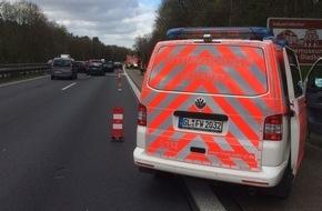 Feuerwehr Bergisch Gladbach: FW-GL: Schwerer Verkehrsunfall mit 7 Verletzten auf der BAB 4 in Fahrtrichtung Köln