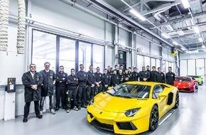 Audi AG: Duale Ausbildung in Italien: Erfolgreicher Auftakt für Sozialprojekt der Audi-Töchter