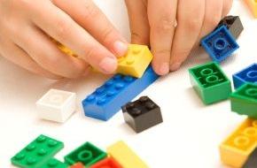 LEGO GmbH: Der Countdown läuft: Noch bis Ende Juli beim weltweiten LEGO Bauwettbewerb mitmachen!
