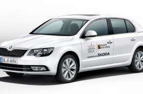 Skoda Auto Deutschland GmbH: Gäste kommen im SKODA zur Operngala für die Deutsche AIDS-Stiftung