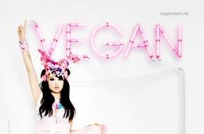 """PETA Deutschland e.V.: Neues PETA-Motiv: The Voice of Germany-Gewinnerin Jamie-Lee Kriewitz - """"Vegan life is the best life"""" / Sängerin und """"Manga-Mädchen"""" lebt seit knapp 3 Jahren tierleidfrei"""