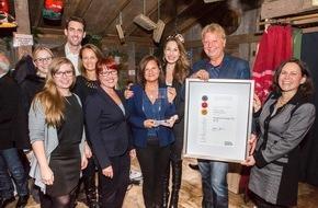 """United Charity gemeinnützige Stiftungs GmbH: United Charity erhält Preis zum """"Ausgezeichneten Ort 2015"""" / Baden-Badener Oberbürgermeisterin Mergen und zahlreiche prominente Gäste anwesend"""