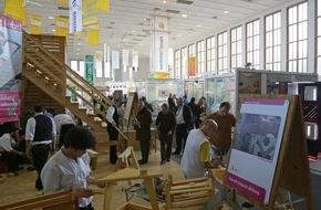 Messe Berlin GmbH: Astreiner Auftritt: bautec 2016 präsentiert Werkstoff Holz mit vielen Gesichtern / Internationale Baufachmesse zeigt Facettenreichtum von Holz und nachwachsenden Rohstoffen (FOTO)