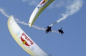 Red Bull AG: Du 20 au 22 août 2004: 7e Red Bull Vertigo à Villeneuve (VD/Suisse) - Coupe du monde de vol acrobatique