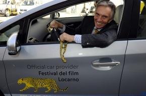 """Toyota Schweiz AG: Toyota """"Official Car Provider"""" am Festival del film Locarno / Marco Solari fährt emissionslos"""