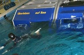 """Presse- und Informationszentrum Marine: Medientag - """"Überleben auf See"""" hautnah erleben"""