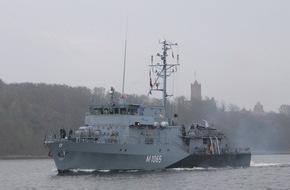 """Presse- und Informationszentrum Marine: Minenjagdboot """"Dillingen"""" verlässt Kiel Richtung NATO-Einsatz"""