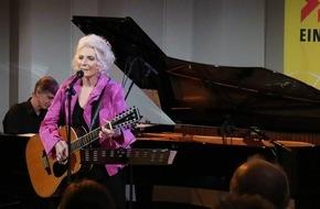 "SWR - Südwestrundfunk: Judy Collins in der ""Szene"" / Amerikas Folk-Legende zu Gast bei SWR1 Rheinland-Pfalz"