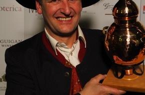 """Destillerie Georg Hiebl: Georg Hiebl - Weltmeister der Edelbrenner! IWSC London """"Boutique Distiller of the year 2014"""""""