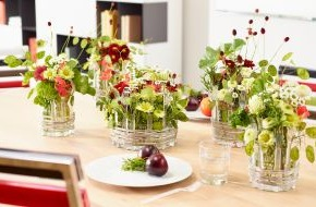 Blumenbüro: Bunter Stimmungsmacher / Verblüffende Tischdekoration: Das Chrysanthemen-Besteck