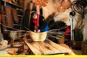 """SWR - Südwestrundfunk: Ein schiefer Korb, echt gutes Brot und die Schuhe fürs Leben / """"Handwerkskunst!"""" schaut Meisterinnen und Meistern über die Schulter / 16.10. bis 6.11.2015, freitags um 21 Uhr im SWR Fernsehen"""