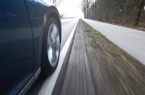 ADAC: Fahrspurassistenten können Leben retten / ADAC: Systeme mit Spurkorrektur besonders wirkungsvoll