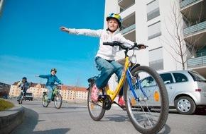 ADAC: Junge Radfahrer oft neben der Spur / Kinder zwischen 10 und 14 Jahren verunglücken am häufigsten mit dem Fahrrad / ADAC: Fahrradausbildung oft nicht ausreichend