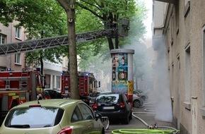 Feuerwehr Dortmund: FW-DO: Kellerbrand in einem fünfgeschossigen Wohnhaus, eine Mieterin verletzt.