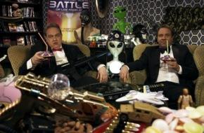 """Tele 5: """"Vergessen Sie Independance Day!"""" / Oliver Kalkofe und Peter Rütten präsentieren """"SchleFaZ: Battle of Los Angeles"""" am 26. Juni um 22:05 Uhr auf TELE 5"""