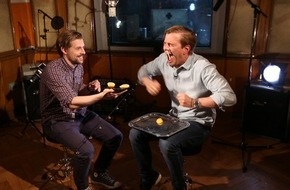 ProSieben Television GmbH: Der RED NOSE DAY wird HALLIGALLI - Joko und Klaas schlagen für Charity-Event leise Töne an