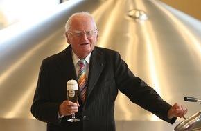 Krombacher Brauerei GmbH & Co.: Dr. h.c. Friedrich Schadeberg, Seniorchef der Krombacher Brauerei, feiert 500 Jahre Reinheitsgebot und seinen 96. Geburtstag
