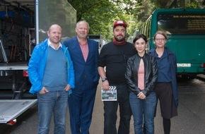"""NDR / Das Erste: Neuer Kieler NDR """"Tatort"""" mit Axel Milberg und Sibel Kekilli führt ins Darknet - TV-Debüt von Regisseur David Wnendt (""""Er ist wieder da"""")"""