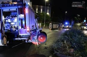 Feuerwehr Iserlohn: FW-MK: Fahrzeug überschlägt sich auf der Hans-Böckler-Straße