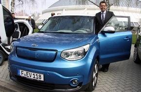 KIA Motors Deutschland GmbH: Große Roadshow zur E-Mobilität mit Kia Soul EV*