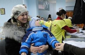 ASB-Bundesverband: 200 Tonnen Lebensmittel für Flüchtlinge / ASB-Winterhilfe in der Ukraine (FOTO)