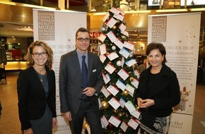 """Stiftung Mittagskinder: """"Kinderwunschbaum"""" im Hamburger Hof"""