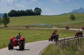 Hotel Schwarzer Adler: Mit dem historischen Porsche-Traktor auf Entdeckungsfahrt im Tannheimer Tal