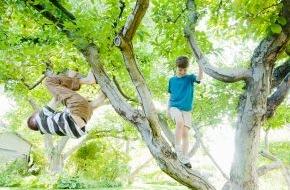 DVAG Deutsche Vermögensberatung AG: Endlich Schulferien: Unbeschwertes Vergnügen mit dem passenden Unfallschutz / Bei Unfällen in der Freizeit greift der gesetzliche Versicherungsschutz nicht. Die DVAG gibt Eltern Sicherheits-Tipps